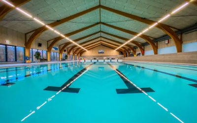 Kom GRATIS i svømmehallen